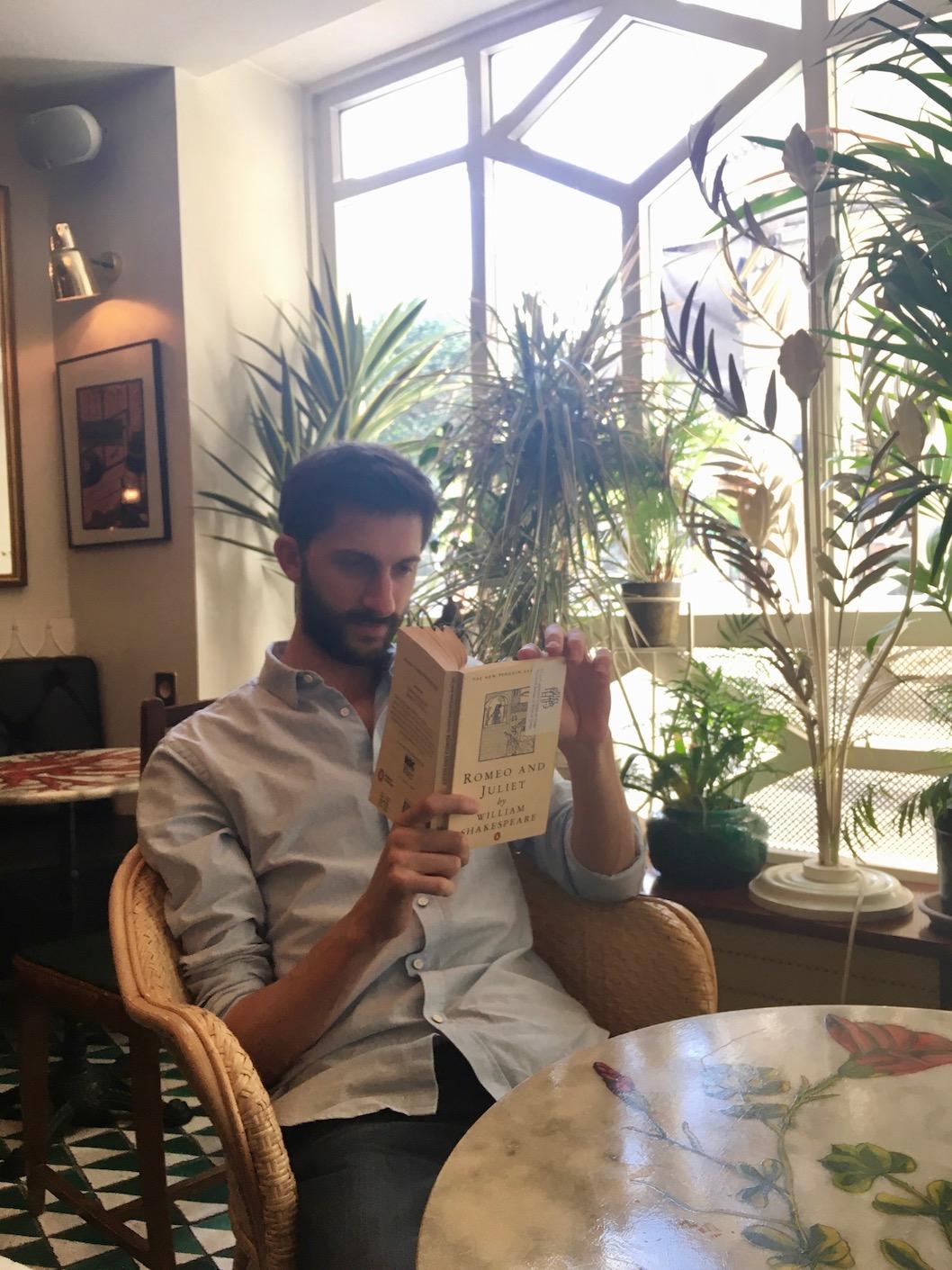 avis staycation hotel du temps lecture salle petit déjeuner
