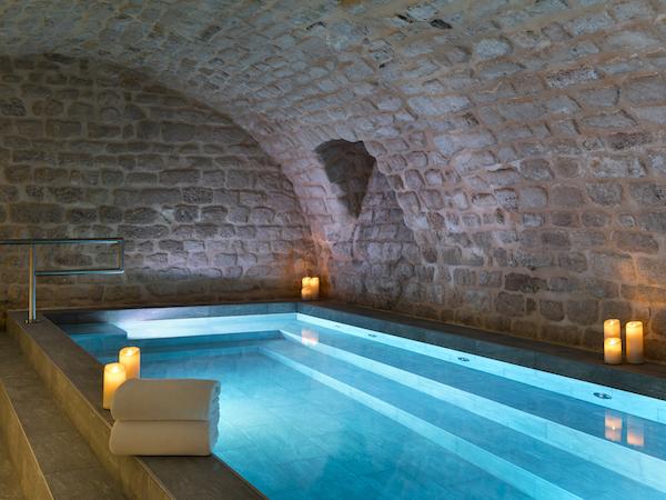 staycation avec piscine intérieure Square Louvois paris