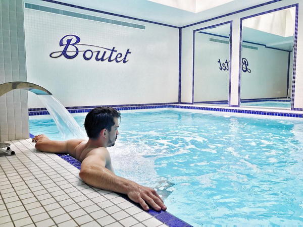 staycation detox dans la piscine du Boutet Batille
