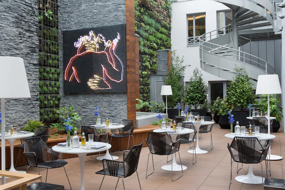 hotel avec terrasse paris renaissance republique