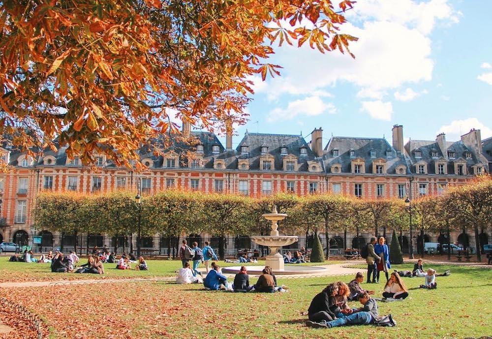Staycation-hotel-Pavillon-de-la-reine-place-des-vosges-paris-03-balade-insolite-marais-dimanche-romantique