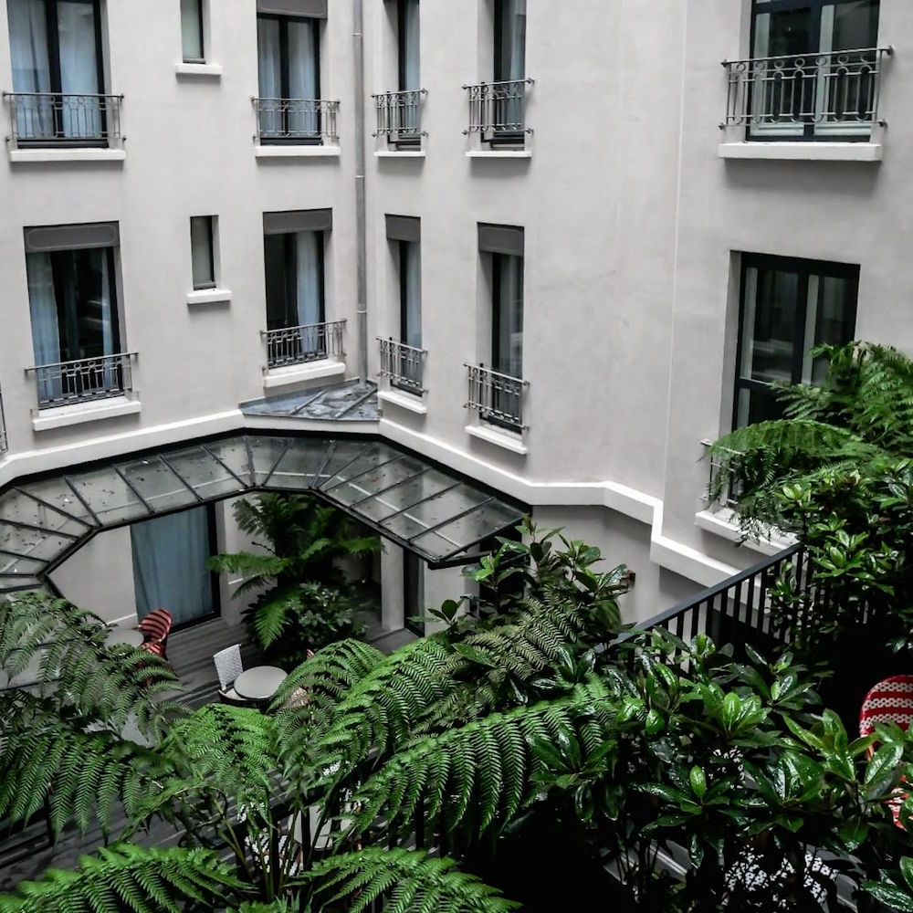 hotel effeil blomet paris staycation
