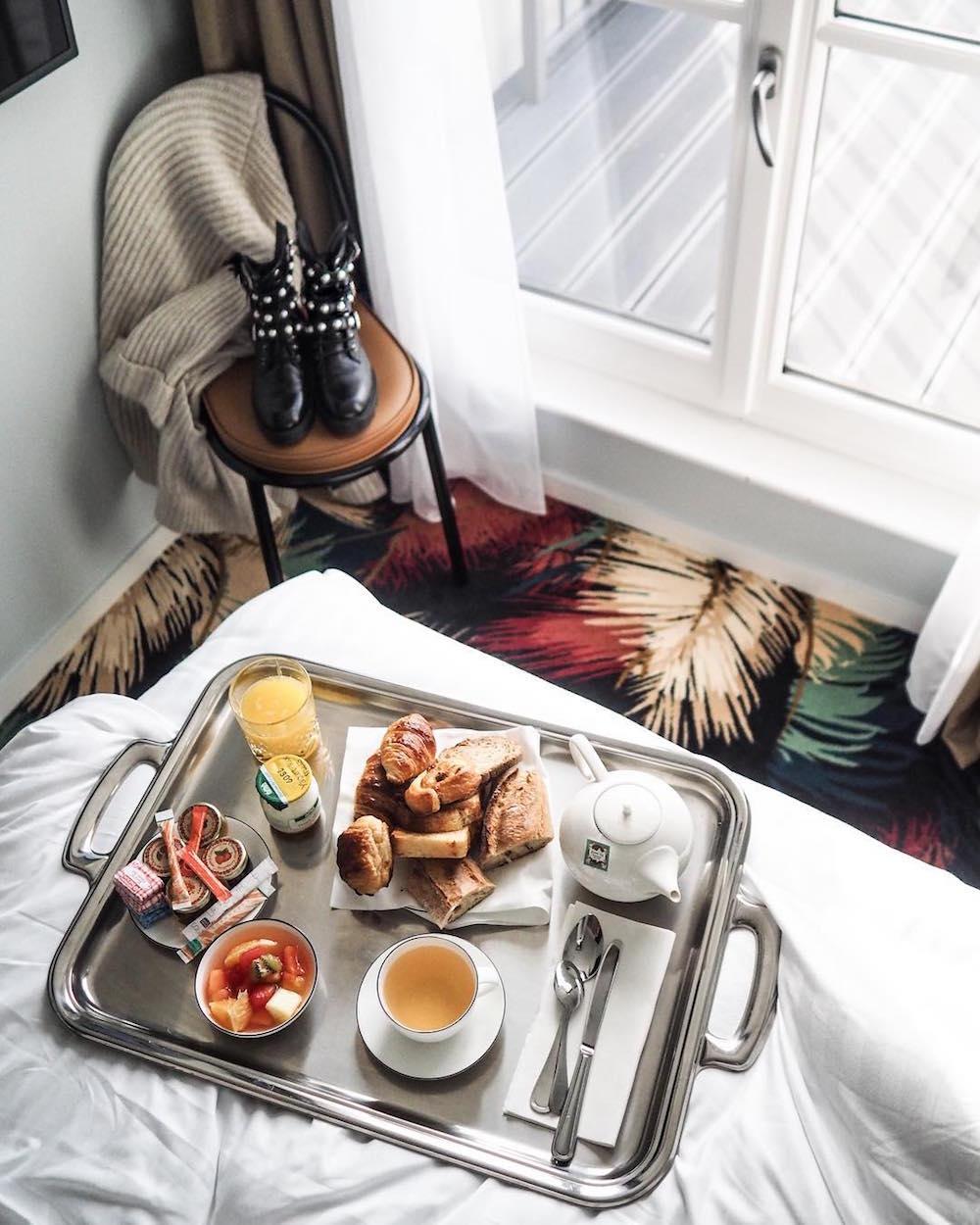 hotel paris 15 eiffel blomet chambre lit suite petit déjeuner