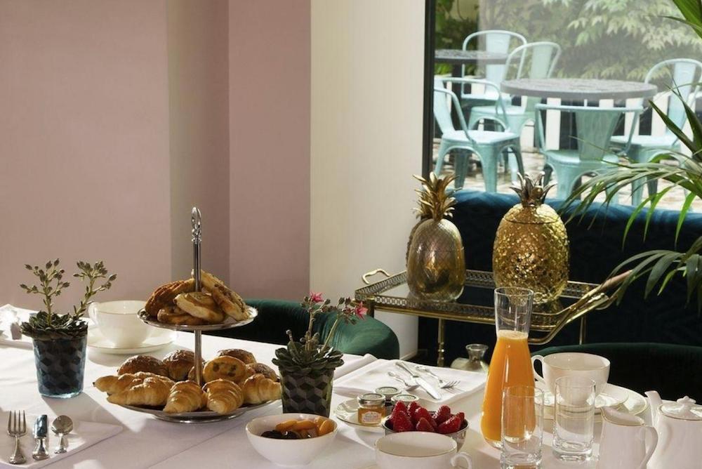 hotel paris 2ème avec piscine intérieure privée et spa privatif petit déjeuner