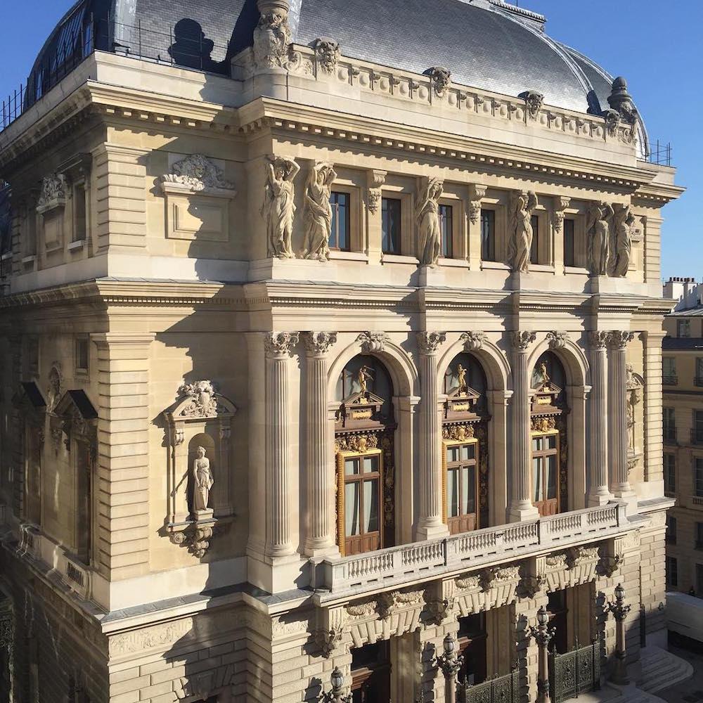 hotel paris 2ème avec piscine intérieure privée et spa privatif opera garnier paris