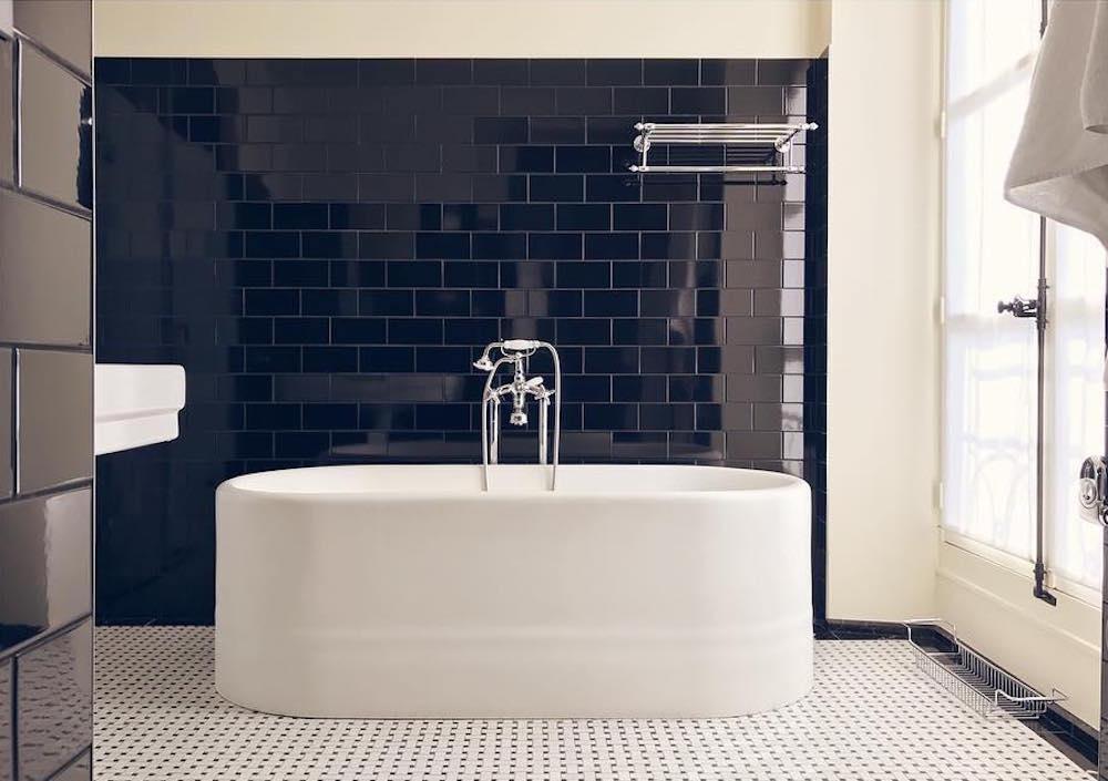 hotel paris 2ème avec piscine intérieure privée et spa privatif baignoire