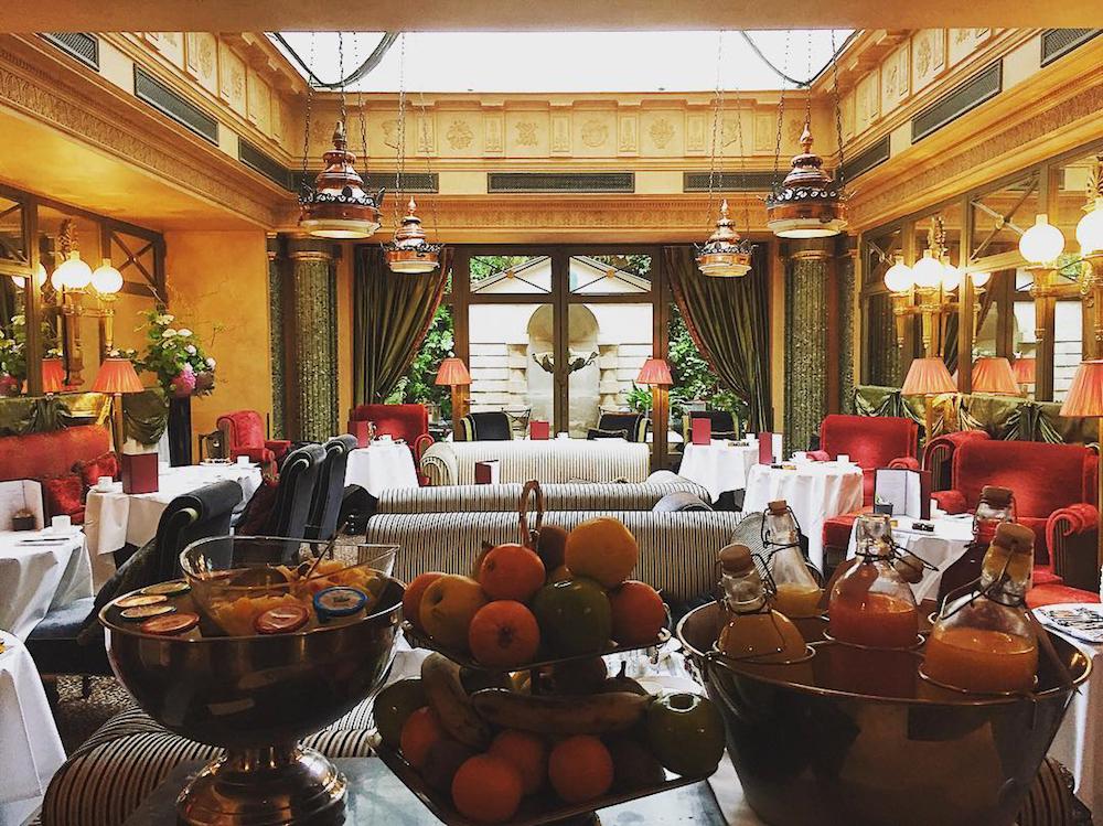 l'hôtel petit déjeuner buffet paris rue des beaux arts