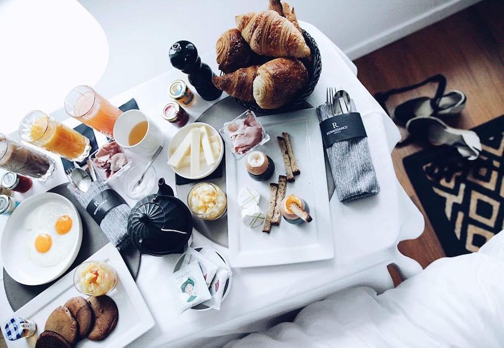 staycation renaissance republique petit dejeuner
