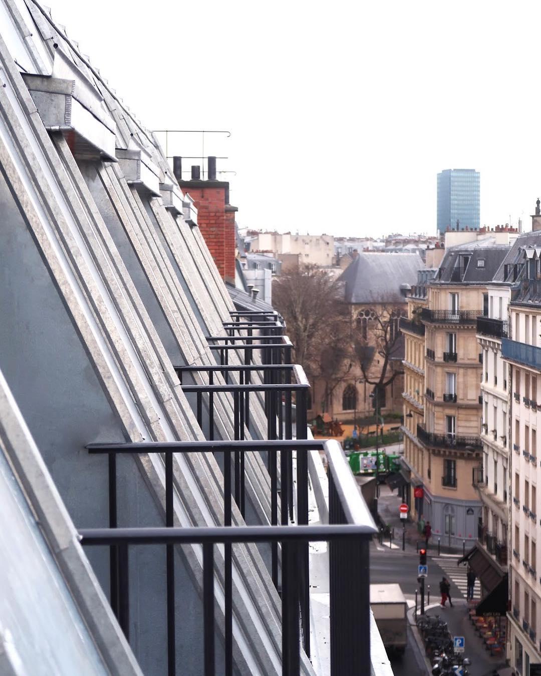 hotel avec balcon paris mont cristo