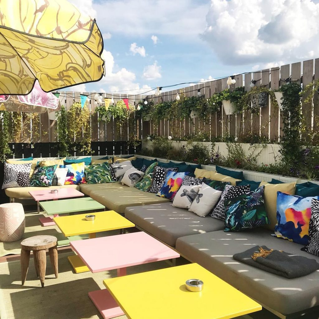 mama shelter paris rooftop staycation