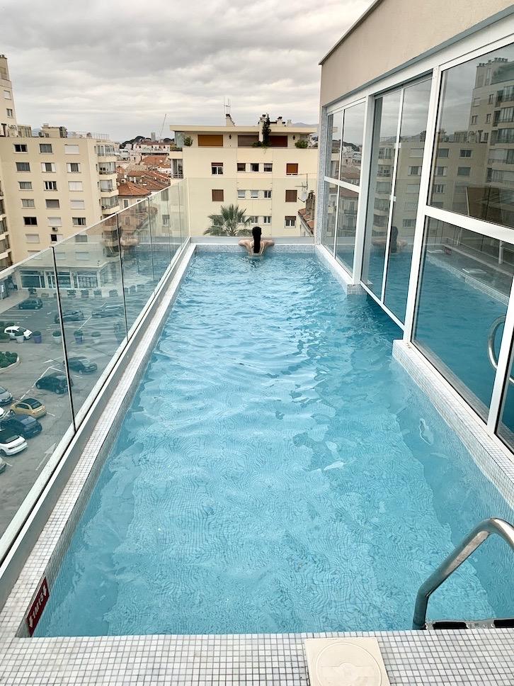 piscine rooftop cristal hotel