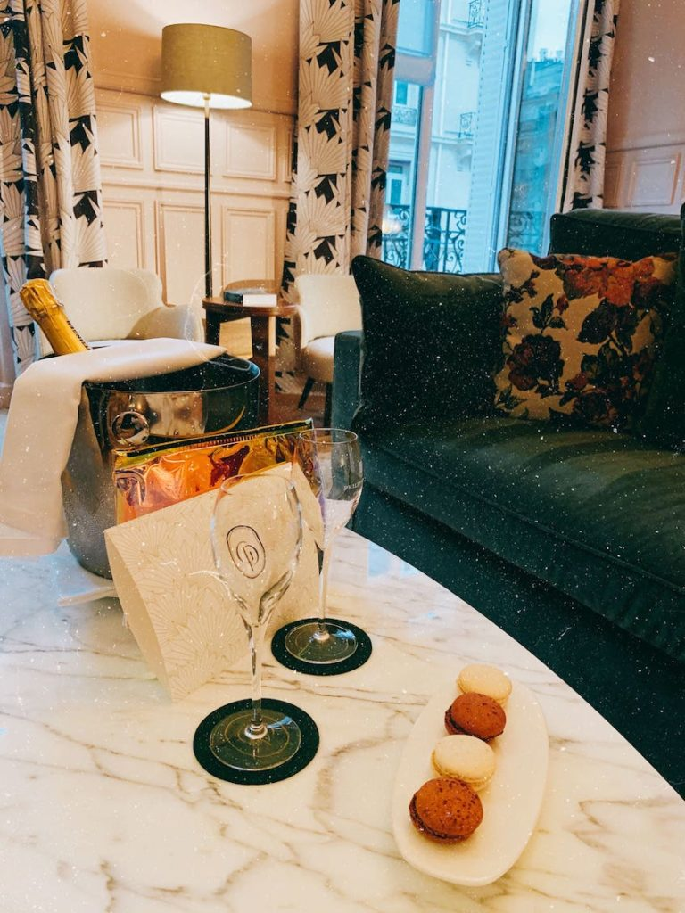 champagne hotel grand powers paris